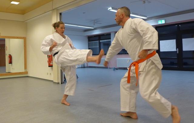 2020 10 20 Karate Erwachsene 15