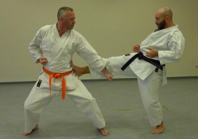 2020 10 29 Karate Erwachsene 3